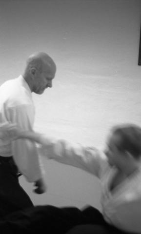 Bjørn Erik demonstrerer forsvar i kamp